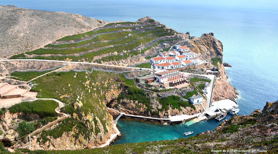 Berlengas Biosphere Reserve: bedtime with the stars and sea, waking with sun and sea